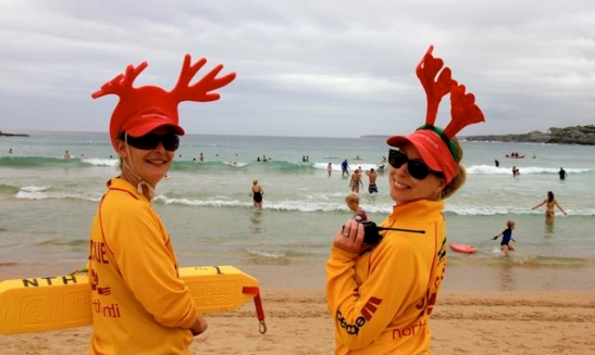 North Bondi Lifesaver im Rentier-Look